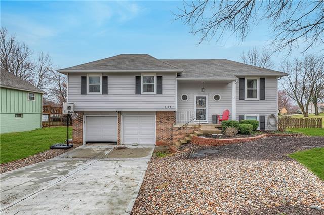 9127 Twilight Lane Property Photo - Lenexa, KS real estate listing
