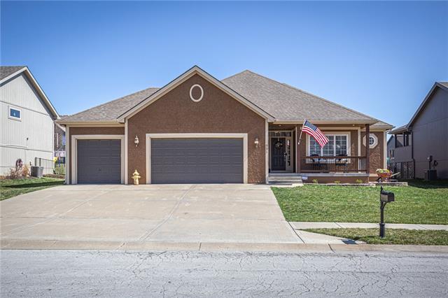 901 Chisam Road Property Photo - Kearney, MO real estate listing