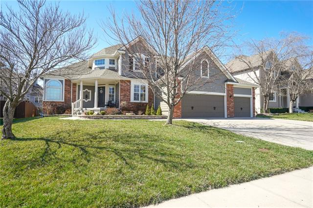 3816 Sandstone Drive Property Photo - Lees Summit, MO real estate listing