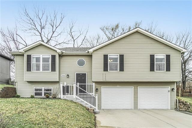 7904 N AMES Avenue Property Photo - Kansas City, MO real estate listing