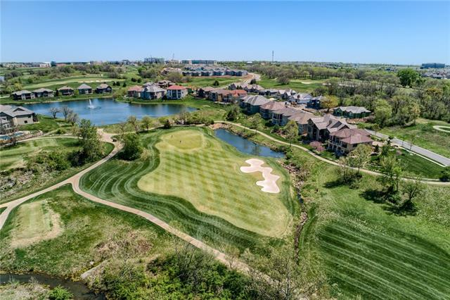 9329 Cottonwood Canyon Drive Property Photo - Lenexa, KS real estate listing
