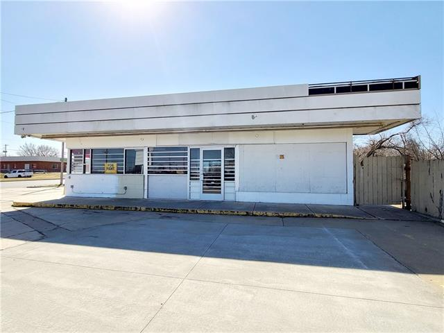 2701 SE California Avenue Property Photo - Topeka, KS real estate listing