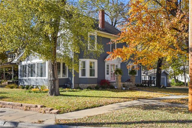 1847 Barker Avenue Property Photo - Lawrence, KS real estate listing