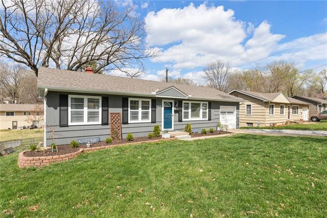 8800 W 70th Terrace Property Photo - Merriam, KS real estate listing