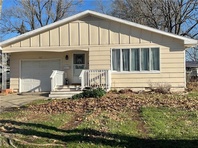 327 E 1st Avenue Property Photo - Garnett, KS real estate listing