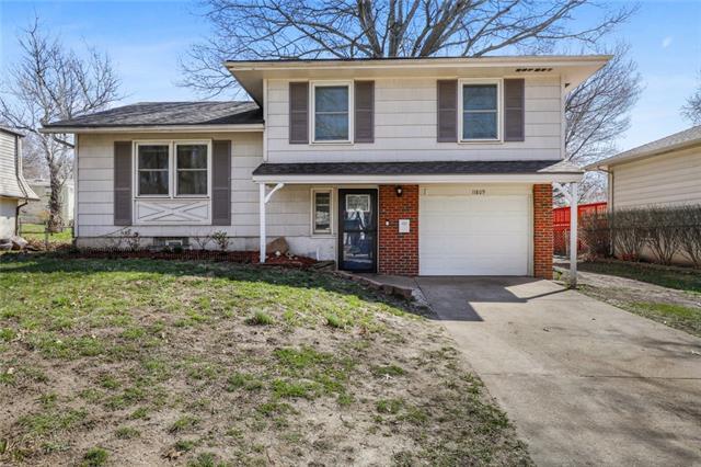 11809 Armitage Drive Property Photo - Kansas City, MO real estate listing