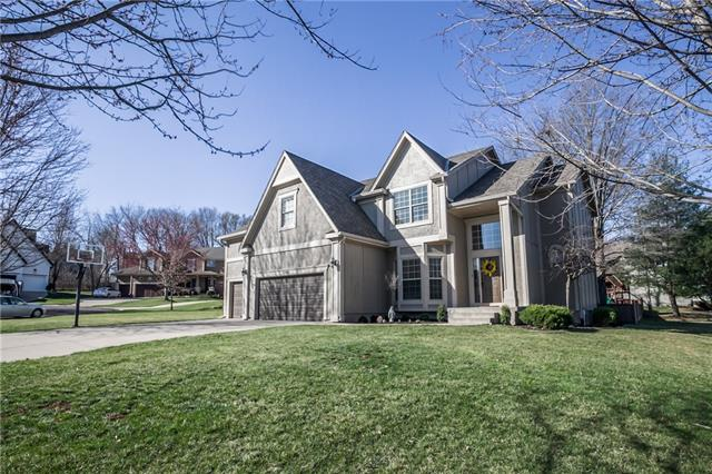 12818 Connell Drive Property Photo - Overland Park, KS real estate listing