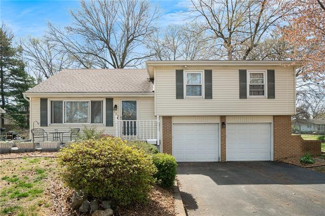 8209 W 78th Street Property Photo - Overland Park, KS real estate listing
