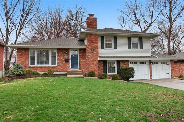 9312 Grant Drive Property Photo - Overland Park, KS real estate listing