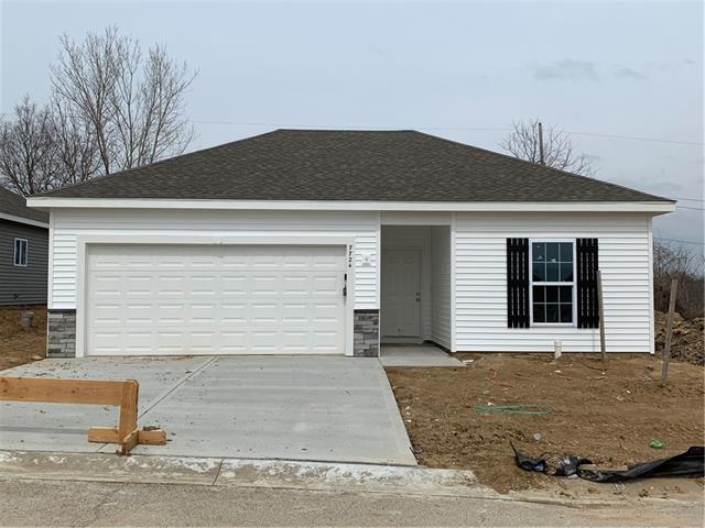 7724 NW 124th Street Property Photo - Kansas City, MO real estate listing