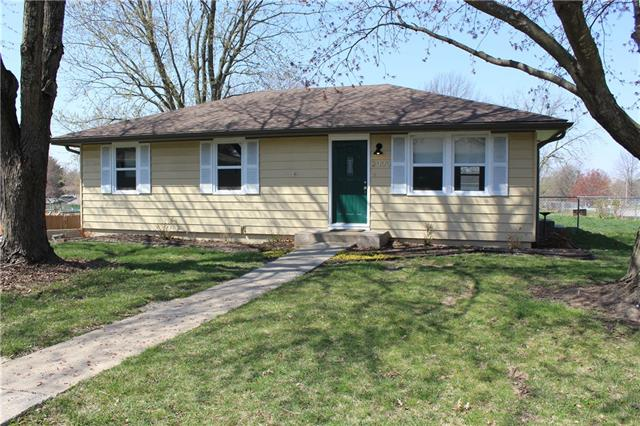 2000 N Cedar Street Property Photo - Higginsville, MO real estate listing