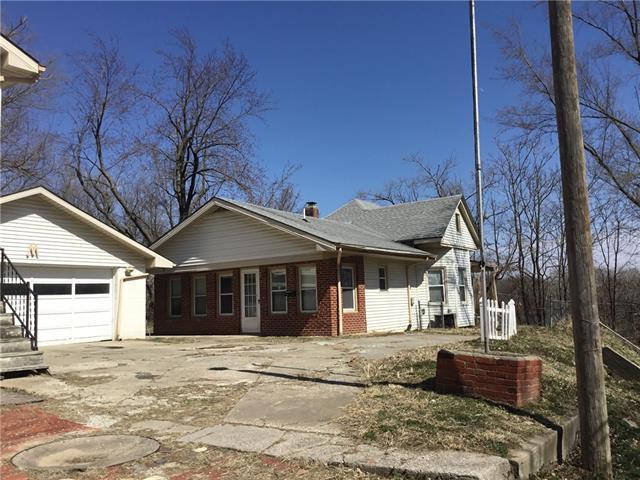 5646 S 2 Street Property Photo - St Joseph, MO real estate listing
