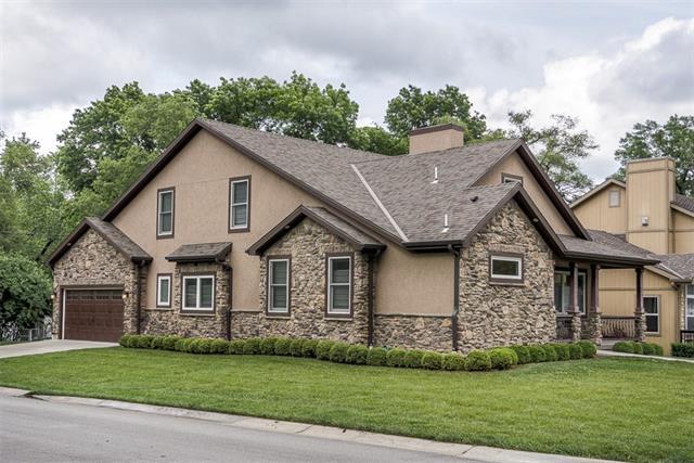 2114 W 72ND Street Property Photo - Prairie Village, KS real estate listing