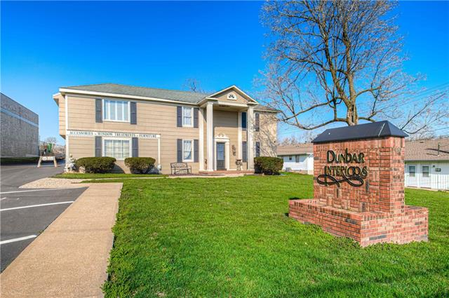 6204 Arlington Avenue Property Photo - Raytown, MO real estate listing