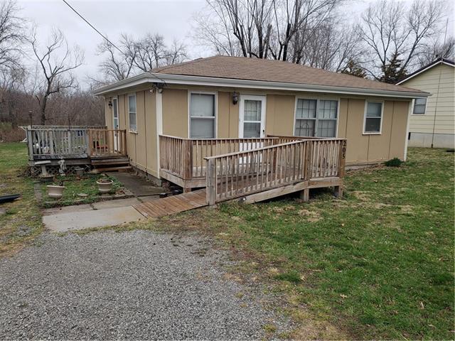 205 E 6th Street Property Photo 2