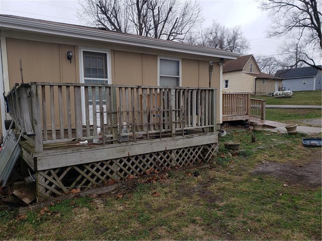 205 E 6th Street Property Photo 3