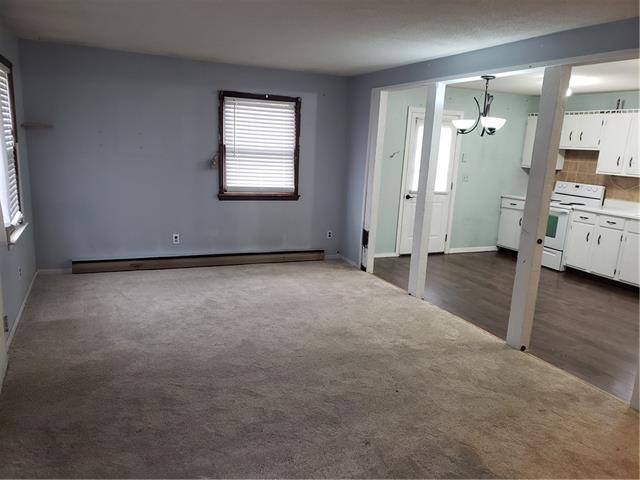 205 E 6th Street Property Photo 9