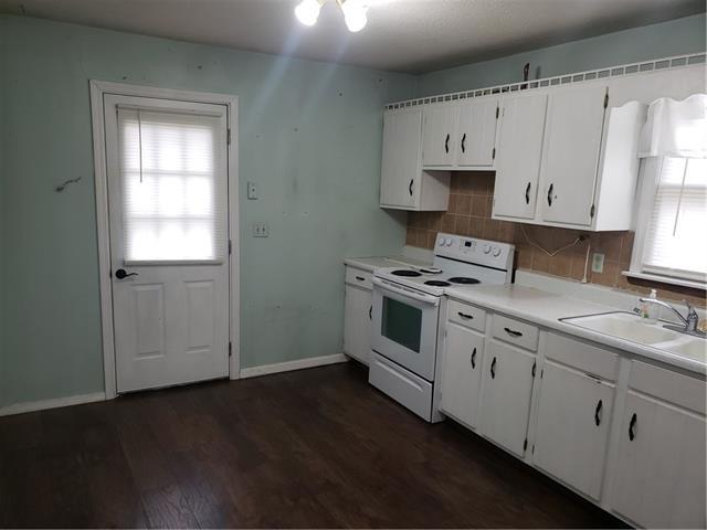 205 E 6th Street Property Photo 11