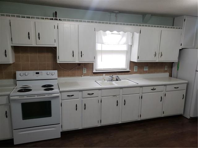 205 E 6th Street Property Photo 12