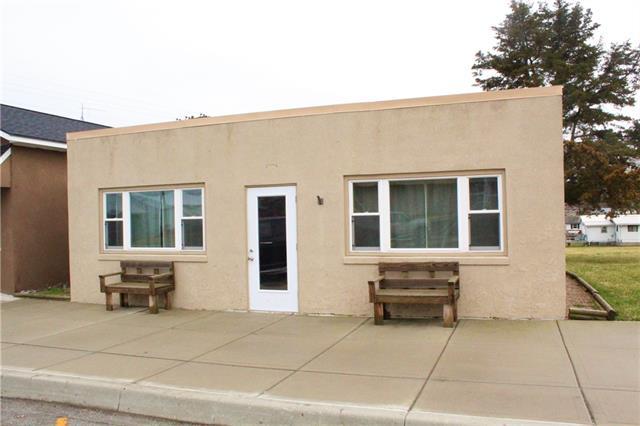 711 Oak Street Property Photo - Lathrop, MO real estate listing