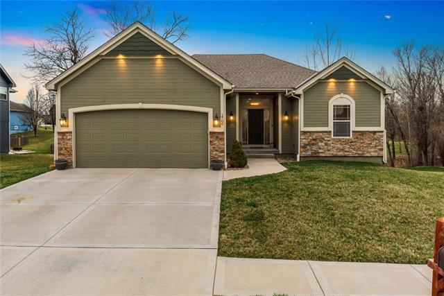 1700 Renea Court Property Photo - Kearney, MO real estate listing