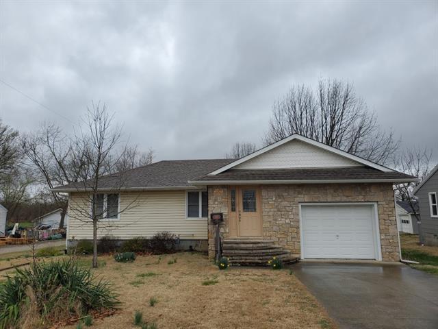 1024 S Margrave Street S #1 Property Photo - Fort Scott, KS real estate listing