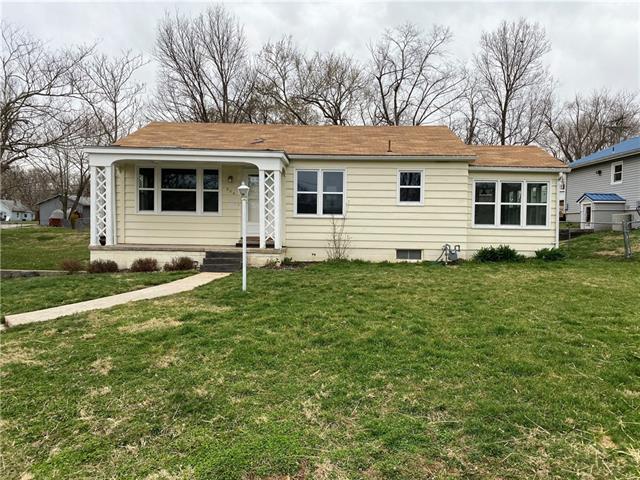 506 E Wimer Street Property Photo - Knob Noster, MO real estate listing