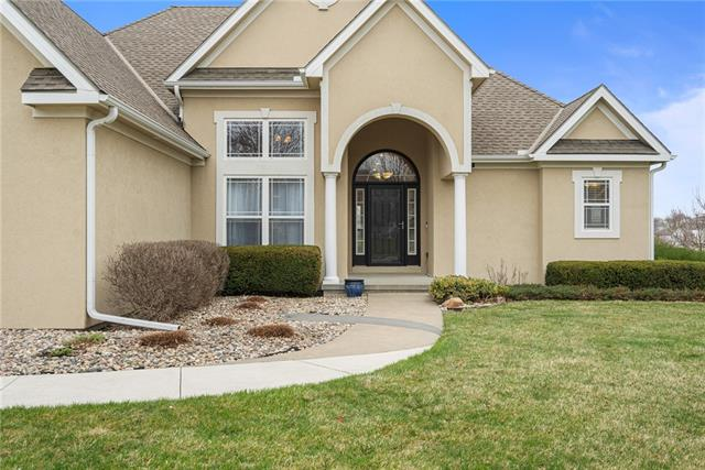 12640 Oak Lane Circle Property Photo - Platte City, MO real estate listing