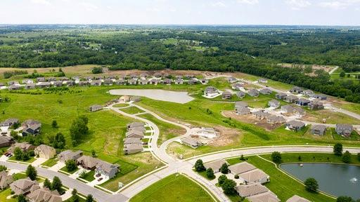 2052 Foxtail Point Property Photo - Kearney, MO real estate listing