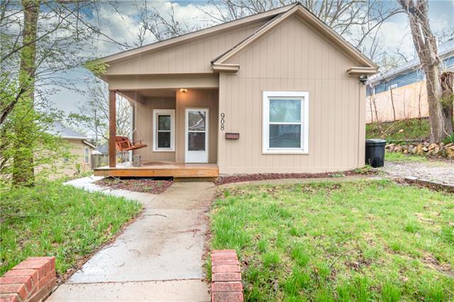 908 Randolph Street Property Photo - St Joseph, MO real estate listing