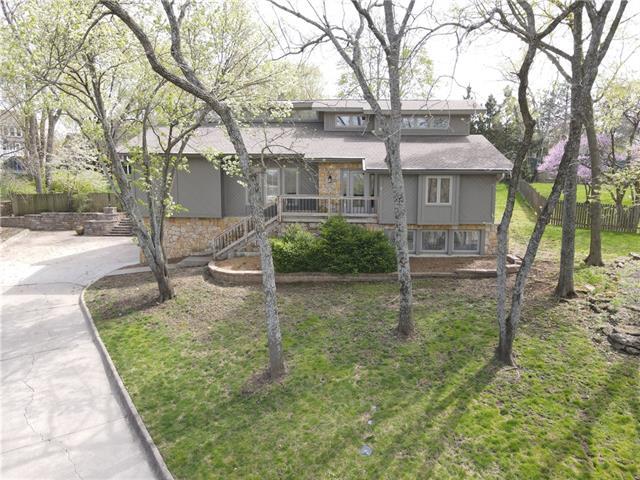 16049 Meadow Lane Property Photo - Stilwell, KS real estate listing