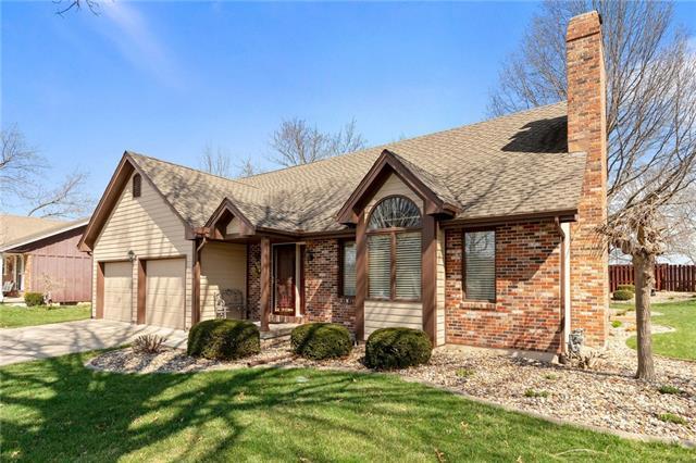 807 Kristen Street Property Photo - Cameron, MO real estate listing