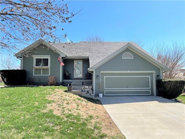 105 Sumac Lane Property Photo - Smithville, MO real estate listing
