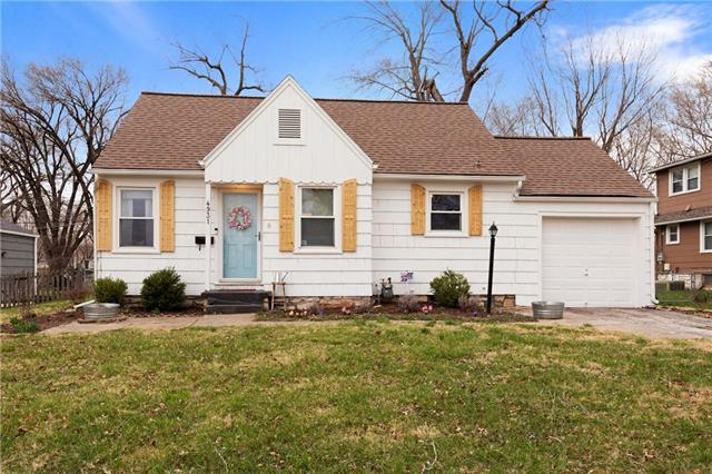 4931 NALL Avenue Property Photo - Roeland Park, KS real estate listing