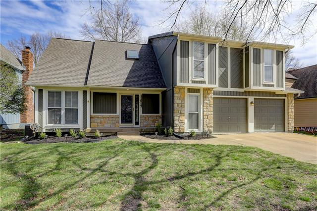 11517 Bradshaw Street Property Photo - Overland Park, KS real estate listing
