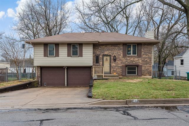 2321 W 48th Street Property Photo - Westwood, KS real estate listing