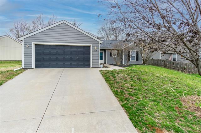 1629 Matthew Terrace Property Photo - Lawrence, KS real estate listing