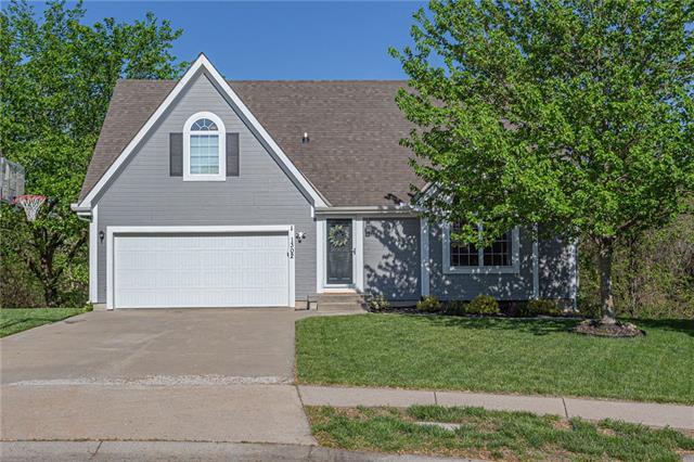 1302 Howard Street Property Photo - Louisburg, KS real estate listing