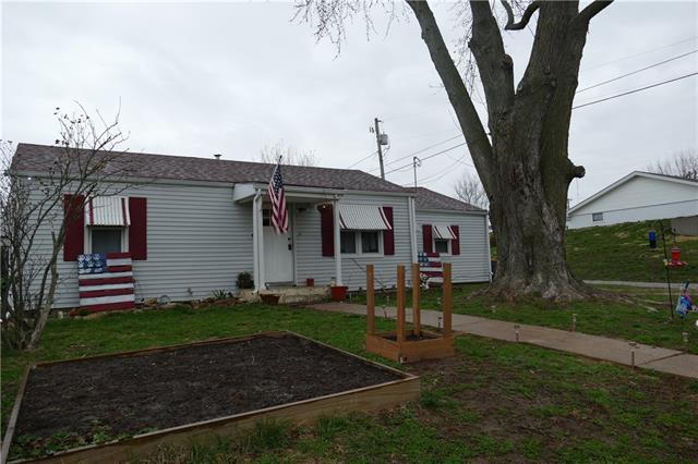 2206 Washington Street Property Photo - Lexington, MO real estate listing