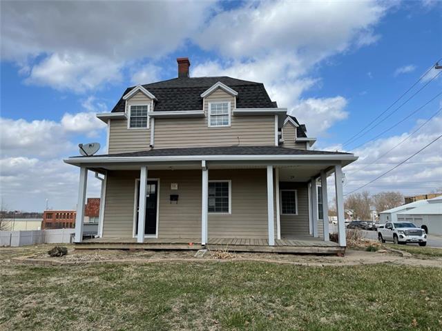 301 W Van Buren Street Property Photo - Gallatin, MO real estate listing