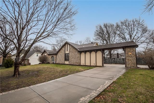 11809 Avila Drive Property Photo - Kansas City, MO real estate listing