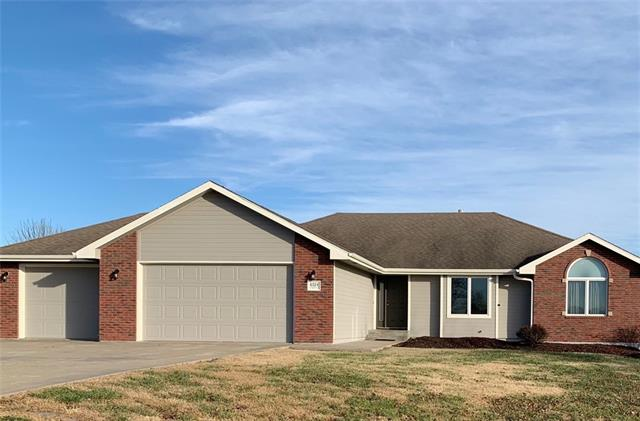 6324 NW Kelshar Drive Property Photo - Topeka, KS real estate listing
