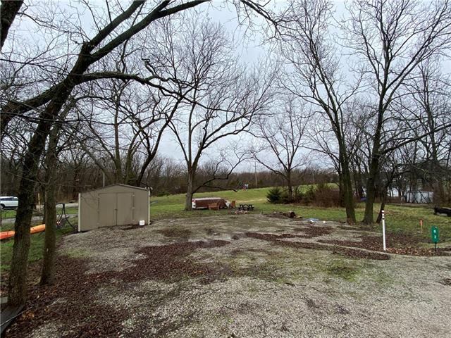82 N Linn Valley Drive Property Photo - Linn Valley, KS real estate listing