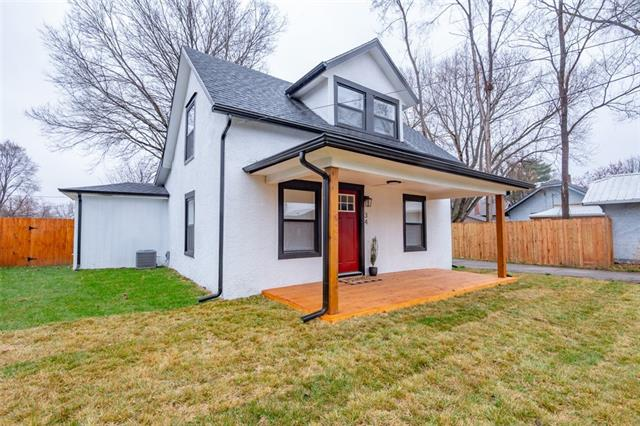 34 Madison Street Property Photo - Buckner, MO real estate listing