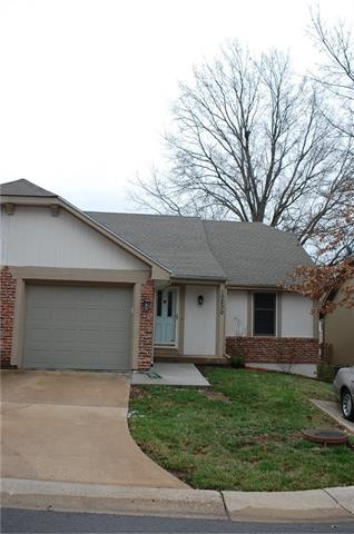 10230 W 86th Terrace Property Photo - Overland Park, KS real estate listing