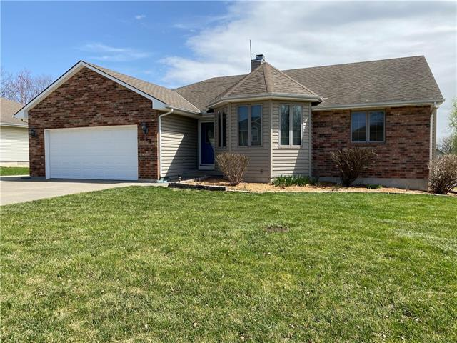 606 S Johnson Drive Property Photo - Odessa, MO real estate listing