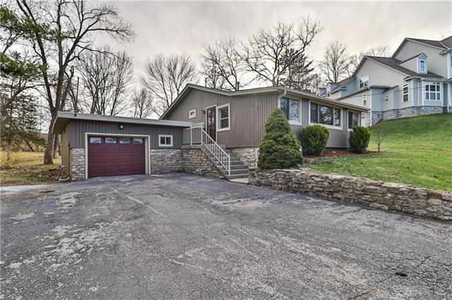 129 Anchor Drive Property Photo - Lake Tapawingo, MO real estate listing