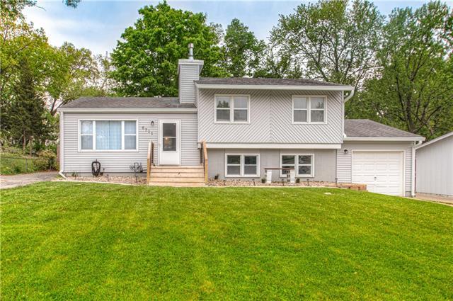 6711 NW 71st Street Property Photo - Kansas City, MO real estate listing