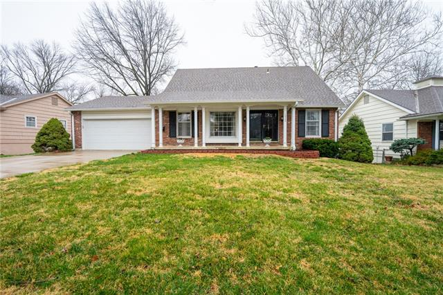 10500 W 92nd Place Property Photo - Overland Park, KS real estate listing
