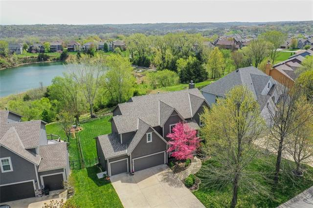 5627 Theden Street Property Photo - Shawnee, KS real estate listing